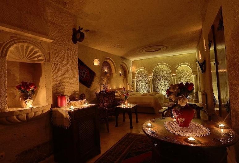 Safran Cave Hotel, Nevsehir, Deluxe Suite, Living Area