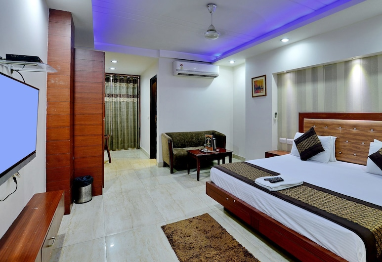 Hotel Emporio, New Delhi, Classic Room, Non Smoking, Guest Room