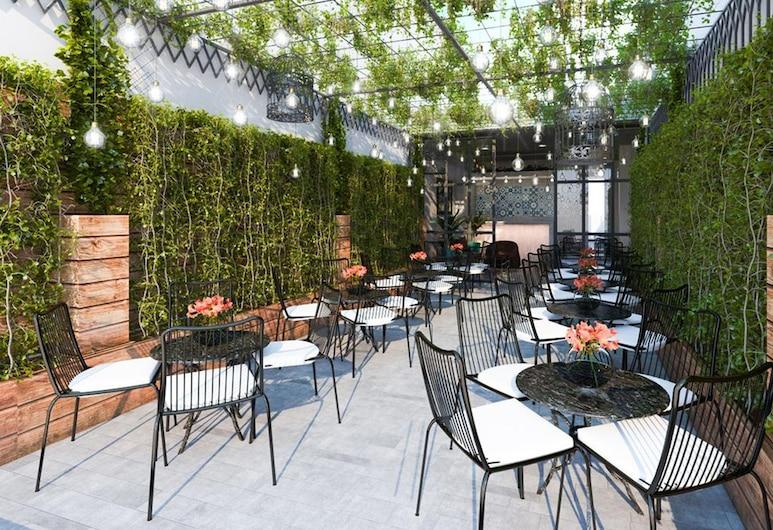 FourC Hotel - Hostel, Ho Chi Minh City, Terrace/Patio