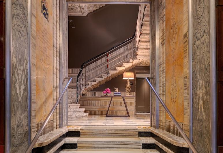Singer Palace Hotel, Rom, Entrén inifrån