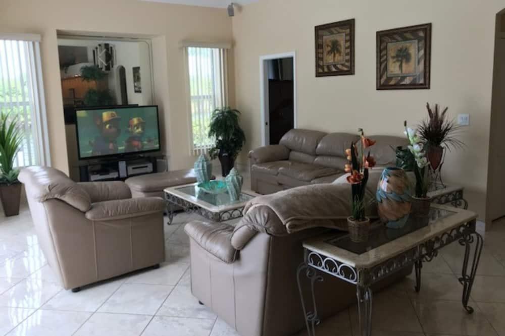 Casa, 4 habitaciones, bañera (Aribe) - Sala de estar