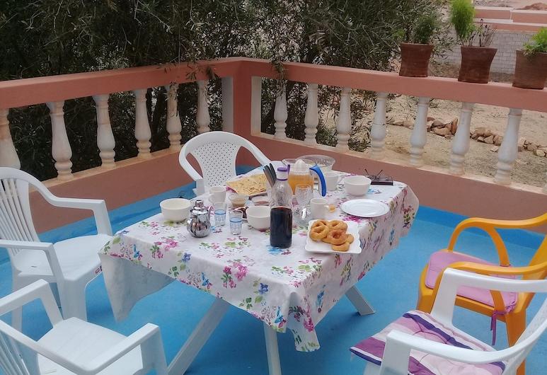 Azur Tafraout, Tafraout, Restaurante al aire libre