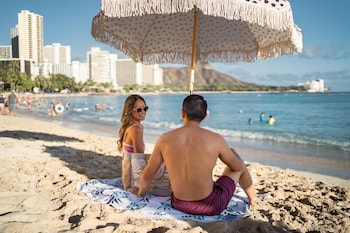 Picture of Waikiki Beachcomber by Outrigger in Honolulu