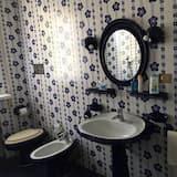 Dvivietis kambarys (External Private Bathroom) - Vonios kambarys