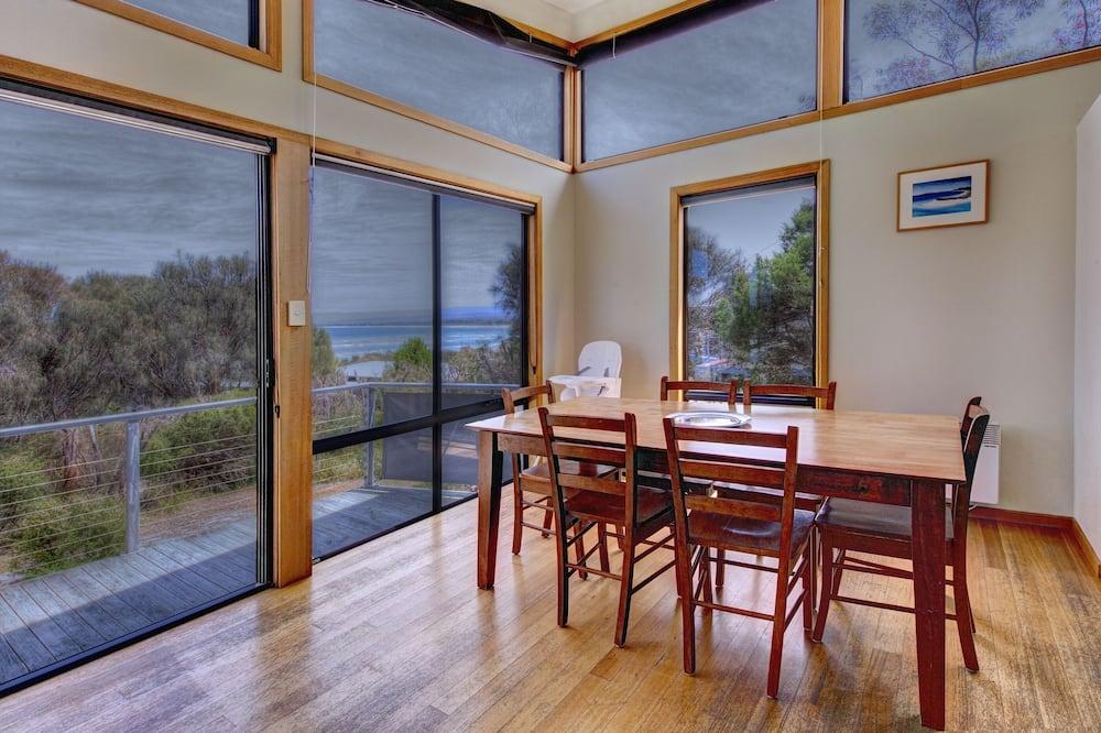 2 Bedroom House with Ocean Views - In-Room Dining