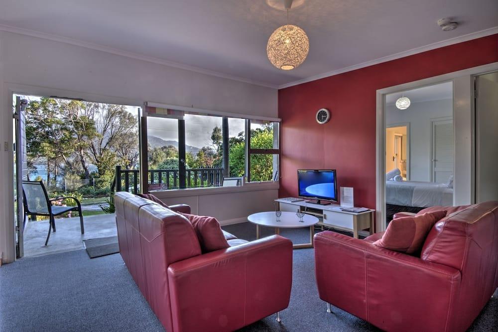 Cove Beach Apartment 1, Coles Bay