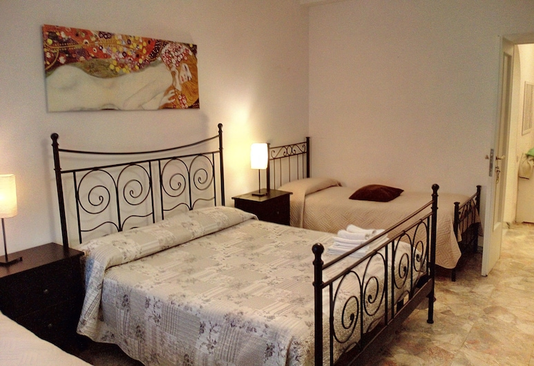 Sergio's Guest House, Rome, Economy Quadruple Room, Multiple Beds, Shared Bathroom, Guest Room