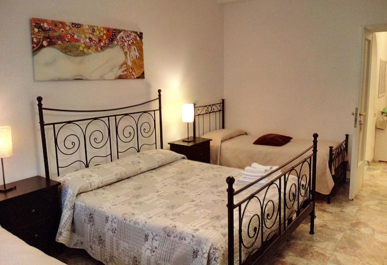 سيرجيوز جيست هاوس, روما, غرفة اقتصادية رباعية - عدة أسرّة - بحمام مشترك, غرفة نزلاء