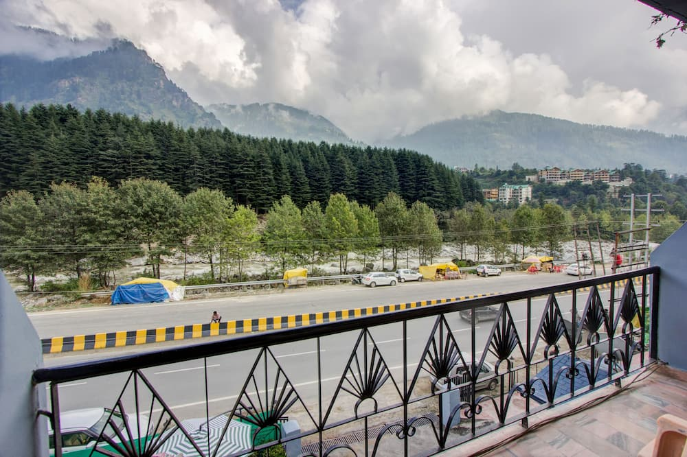 Royal Suite, 2 Bedrooms, Balcony, Mountainside - Balcony View