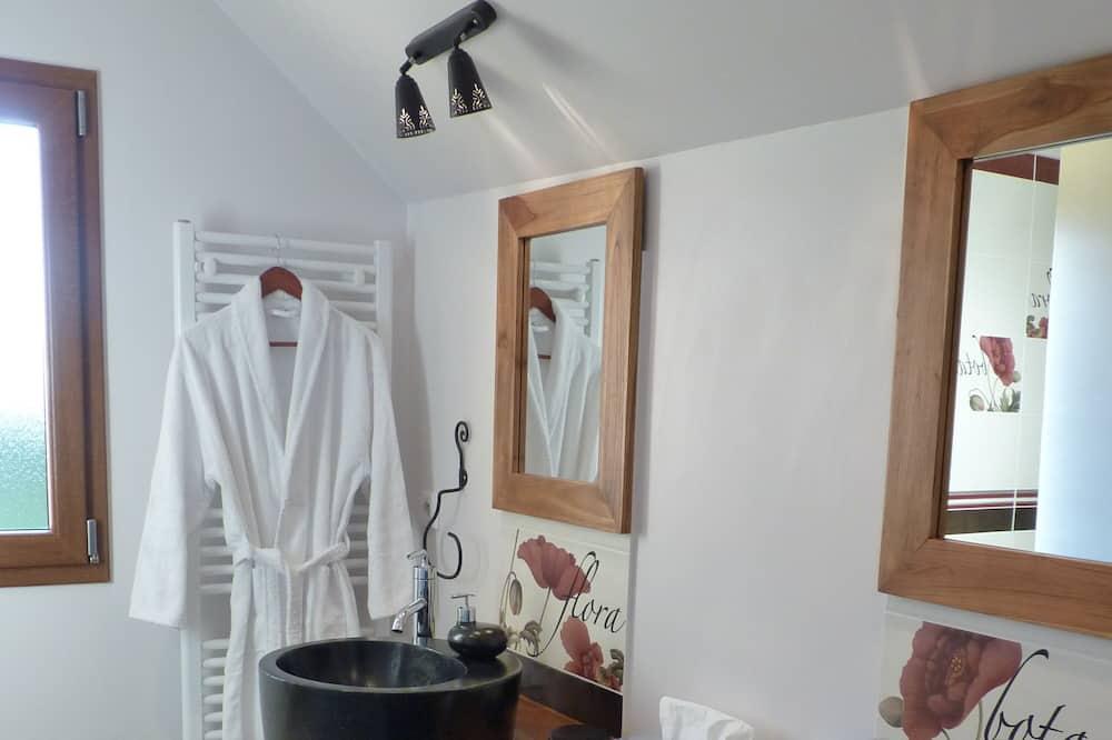 Double Room, Ensuite (Les Cabrettes) - Bathroom
