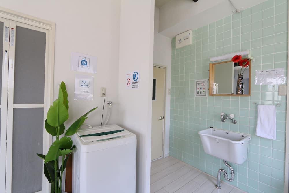 חדר דה-לוקס לשלושה ( NT3 ) - חדר רחצה