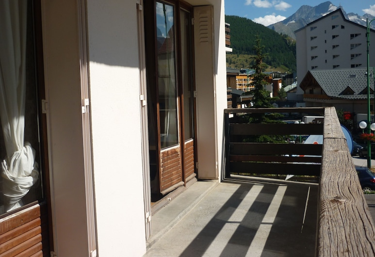 La Residence, Les Deux Alpes, Standard Apartment, Balcony, Mountain View, Balcony