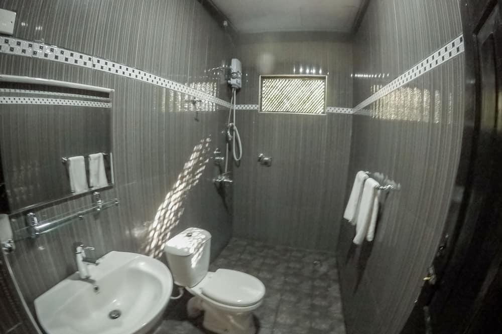 Kamar Triple Standar - Kamar mandi