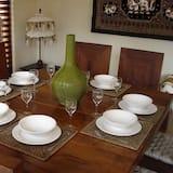 Villa, 4 Bedrooms (Peak Season) - In-Room Dining