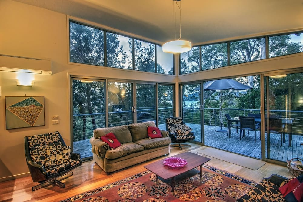 Exclusive House, 3 Bedrooms, Mountain View, Mountainside - Living Area