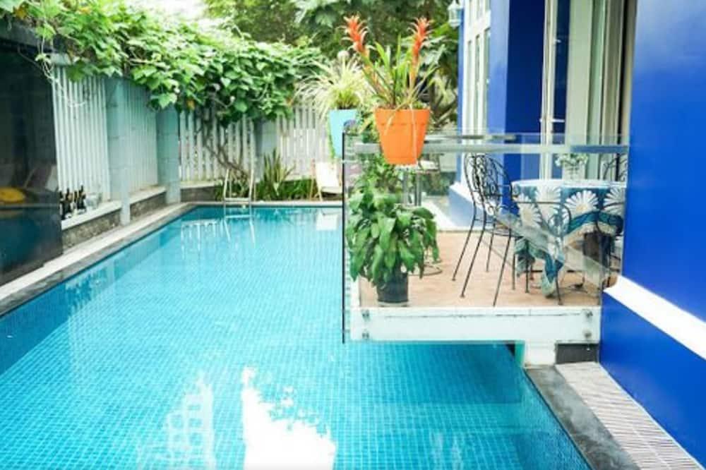 5 Bedrooms Pool Villa w Karaoke, Ho Chi Minh City