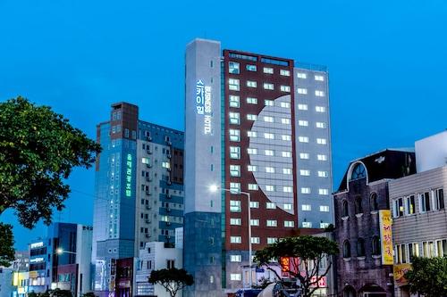 濟州天山商務酒店/