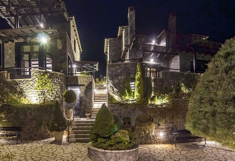 Ostra Mainalon Luxury Suites, Trípoli, Jardín