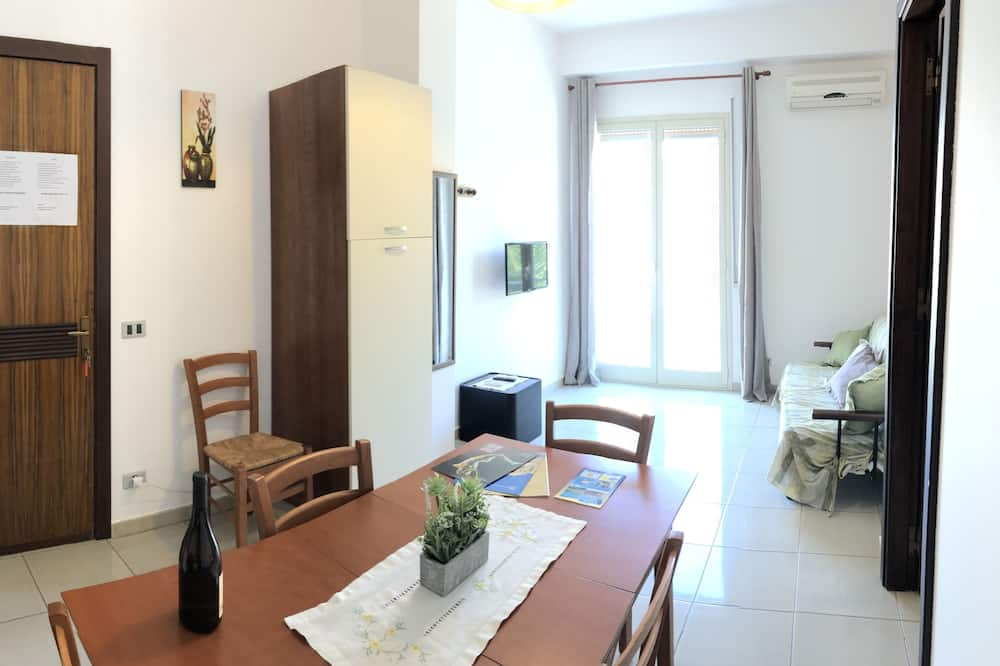 อพาร์ทเมนท์, 2 ห้องนอน (A) - พื้นที่นั่งเล่น