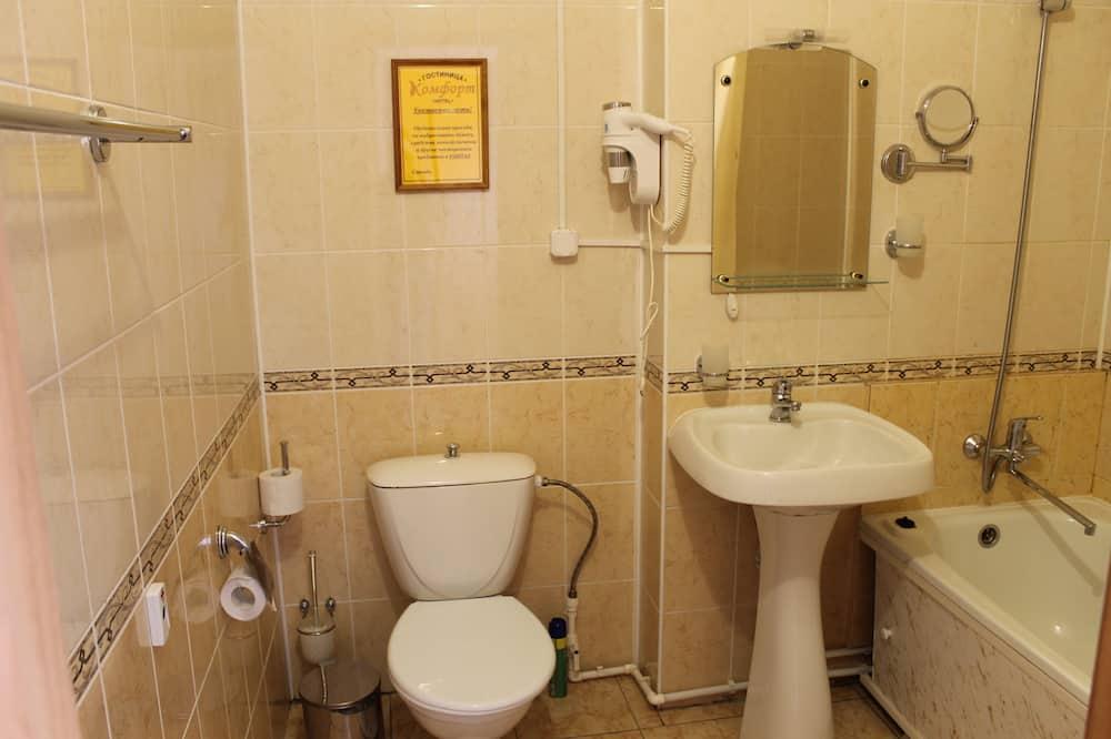 Chambre Double Économique, salle de bains commune - Salle de bain
