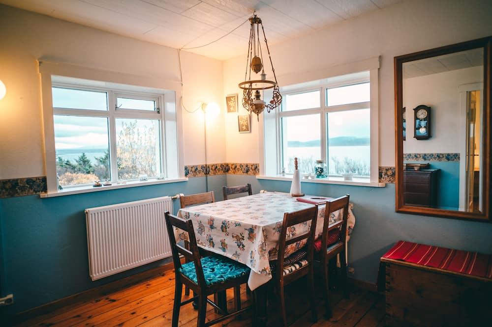 Casa familiar, 3 habitaciones, con vista parcial al mar, con vista al mar - Servicio de comidas en la habitación