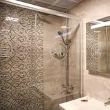 ห้องแฟมิลี่ทริปเปิล, 1 ห้องนอน, ปลอดบุหรี่, วิวเมือง - ห้องน้ำ