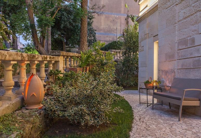 Dimora Storica Muratore Luxury rooms, Lecce, Teras/Veranda