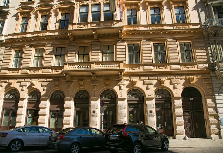 Vienna Hotspot - Rathaus Nähe, Vienna, Depan hartanah