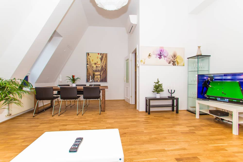 Ateliérový apartmán typu Deluxe, 2 spálne, terasa - Obývacie priestory