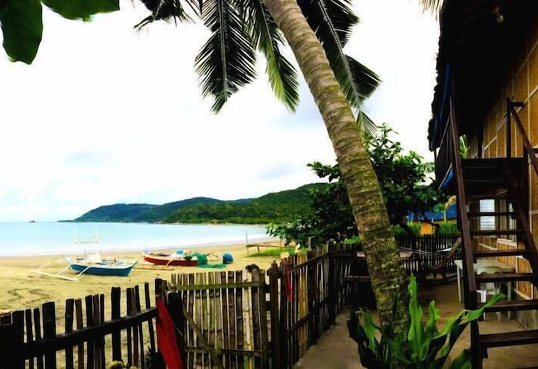 Old Parola Seaside Cottages, Baler, Beach