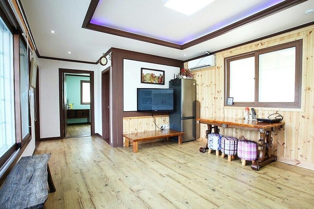 Habitación (Together Room 101) - Sala de estar