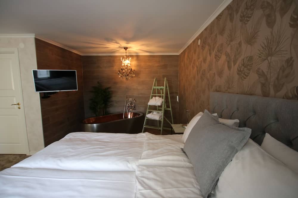 Suite Deluxe, bañera - Sala de estar