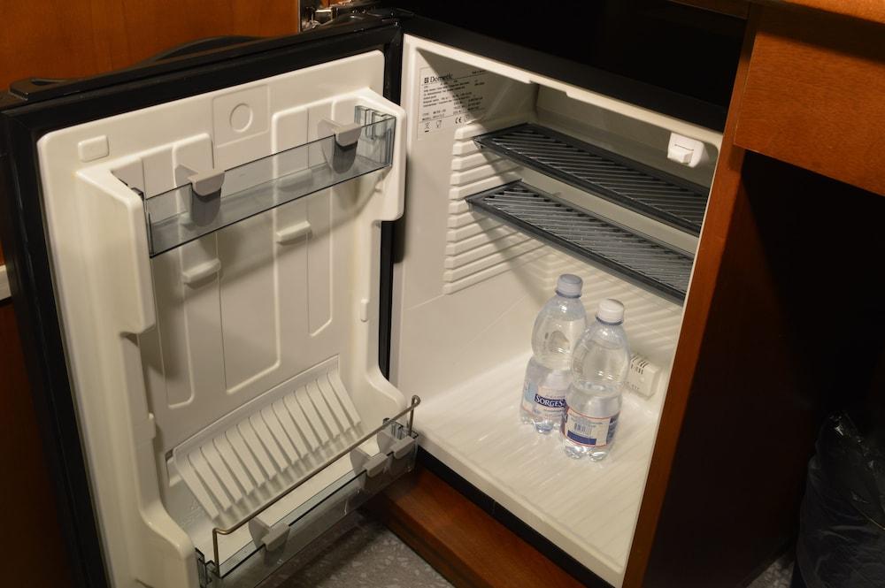 Mini Kühlschrank Hotel : Exquisit kb a minikühlschrank test kühlschranktest