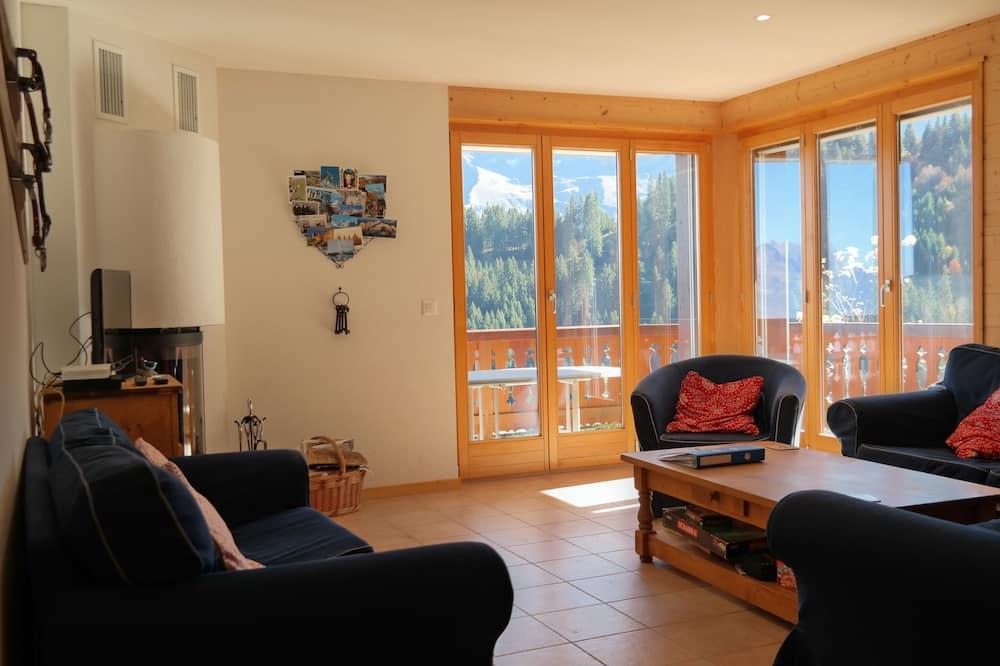 Lägenhet - 3 sovrum - balkong - utsikt mot bergen - Vardagsrum