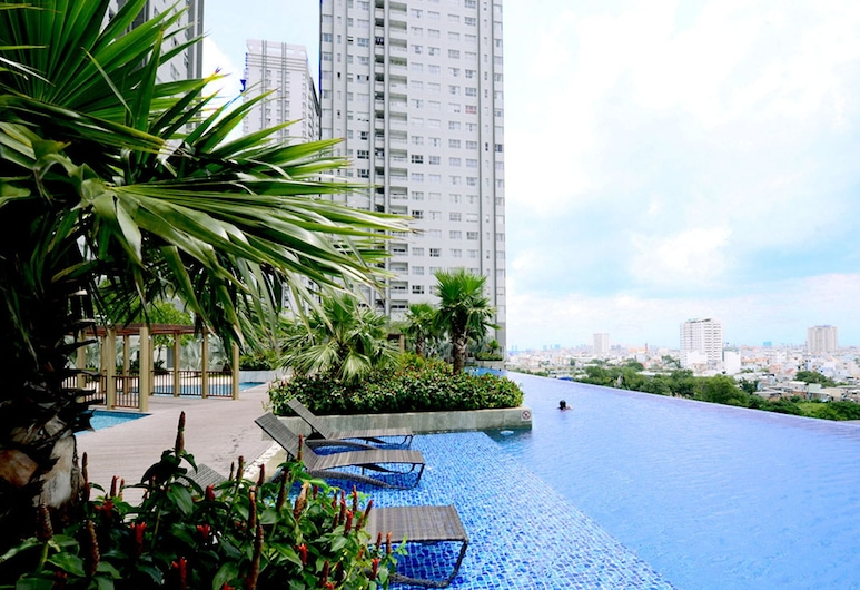 Sunrise City Luxury 2BR SW Pool 15th, Ho Chi Minh City