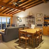 4 Bedroom House with fantastic Ocean Views - In-Room Dining
