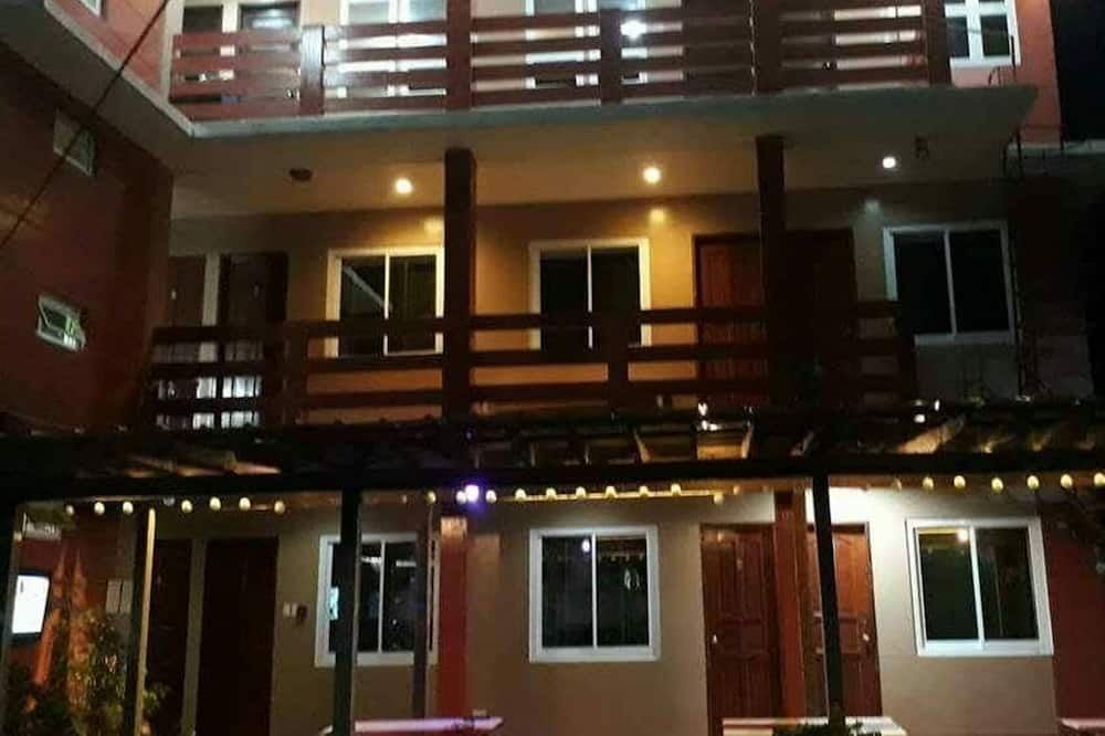 North Blue Bay Inn