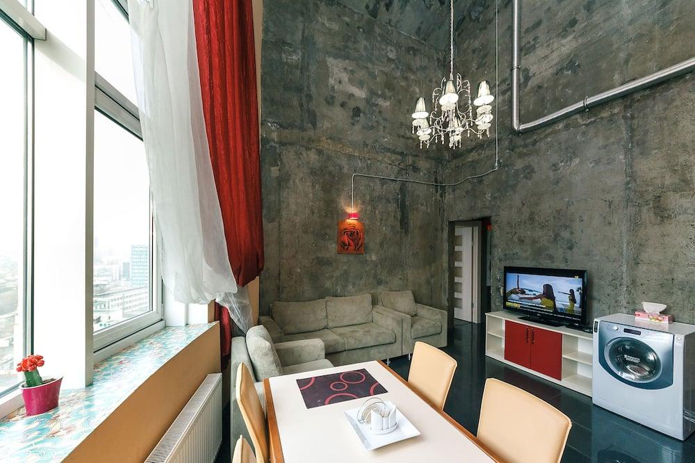 Paaugstināta komforta dzīvokļnumurs, trīs guļamistabas - Dzīvojamā istaba