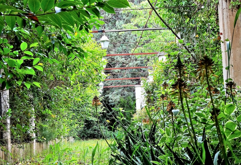 Le Tre Sorelle, Μπάρι, Κήπος
