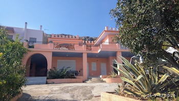 Foto van George's Sea View Guest House in Markopoulo Mesogaias