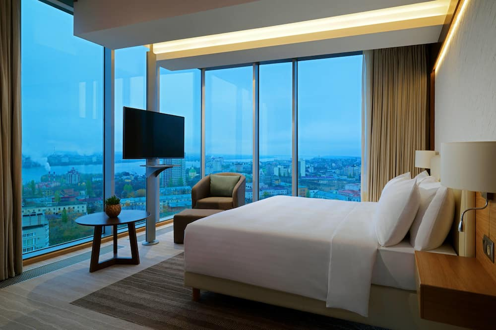 Superior Room, 1 King Bed, Non Smoking, Corner (Panoramic View) - Guest Room View