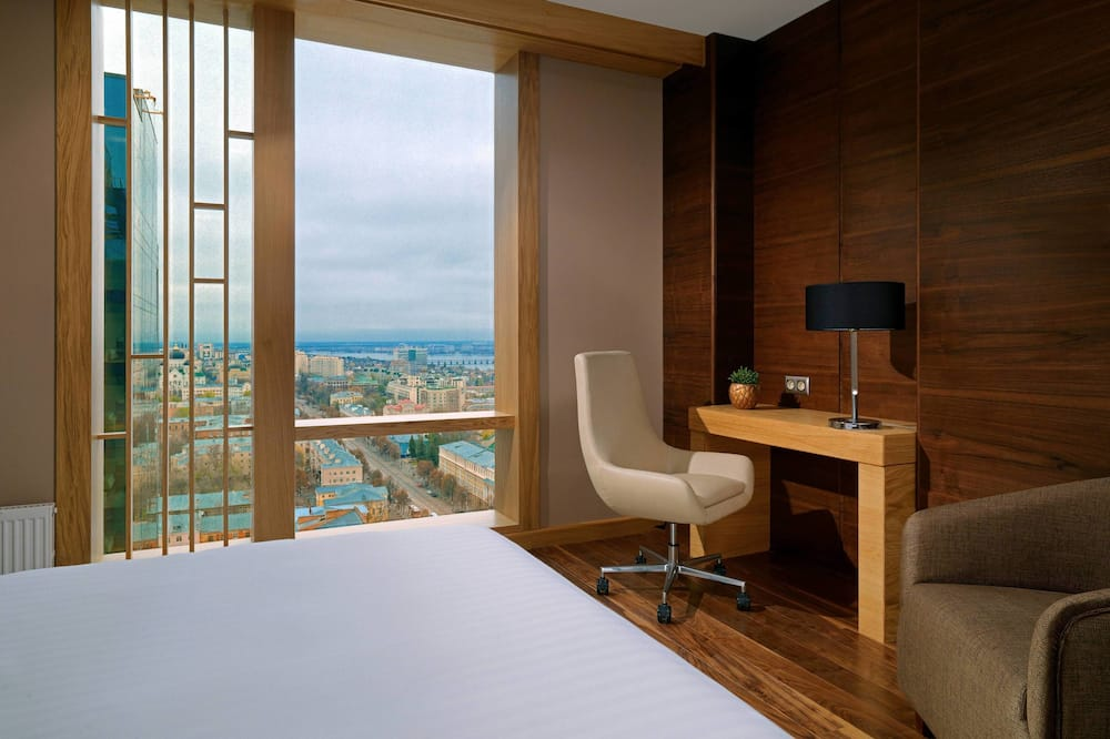 Premium Suite, 1 King Bed, Non Smoking - City View
