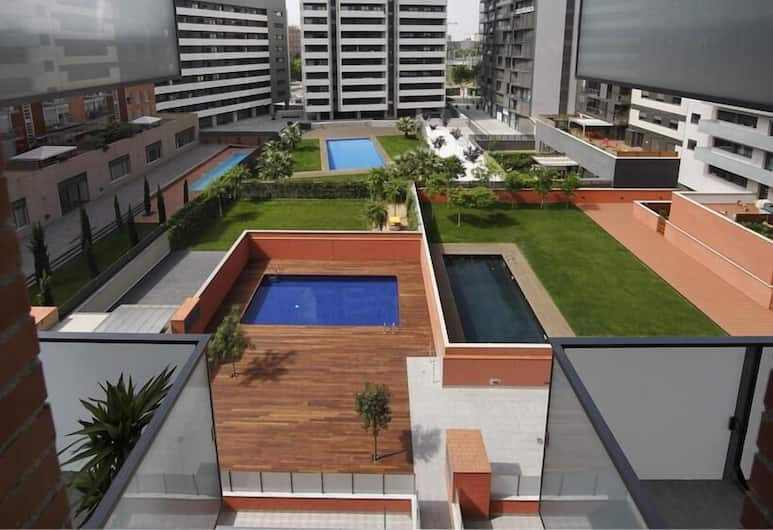 Habitat Apartments Fluvia, Barcelona, Apartment, 3 Bedrooms, Balcony, Pool View, Pemandangan dari bilik