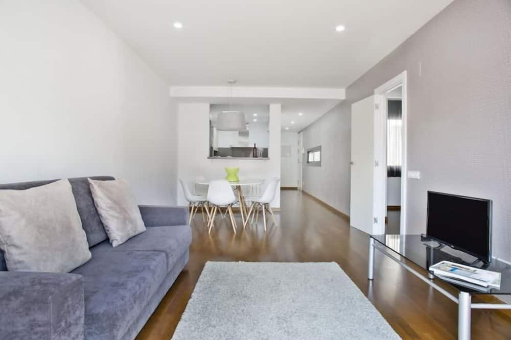 Apartment, 2 Bedrooms, Balcony - Ruang Tamu