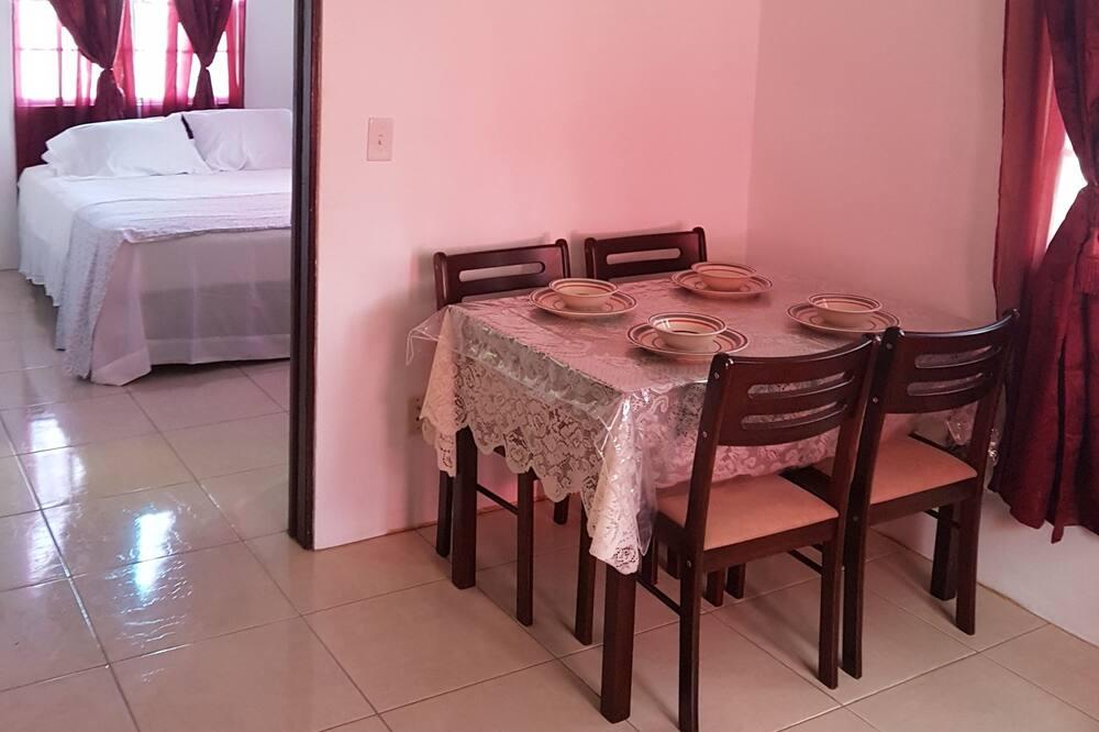 Apt# 5 - Vakarienės kambaryje