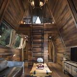 Loft Tree House - Living Area