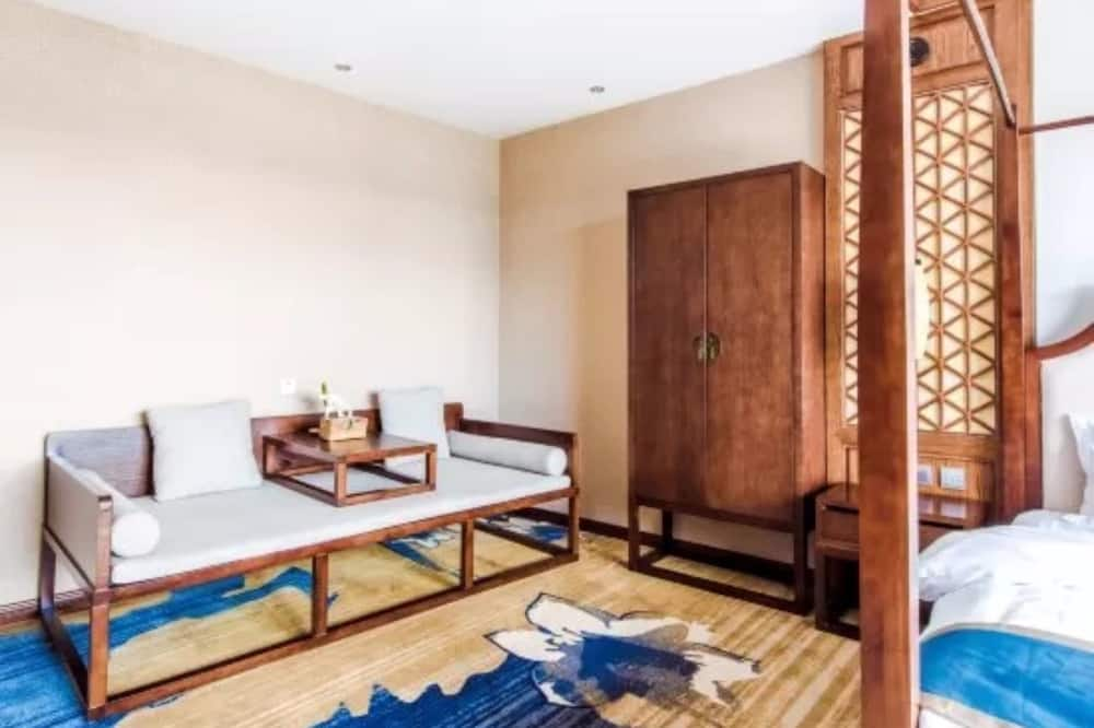 Deluxe Double Room with Full Lake View and Terrace - Living Room