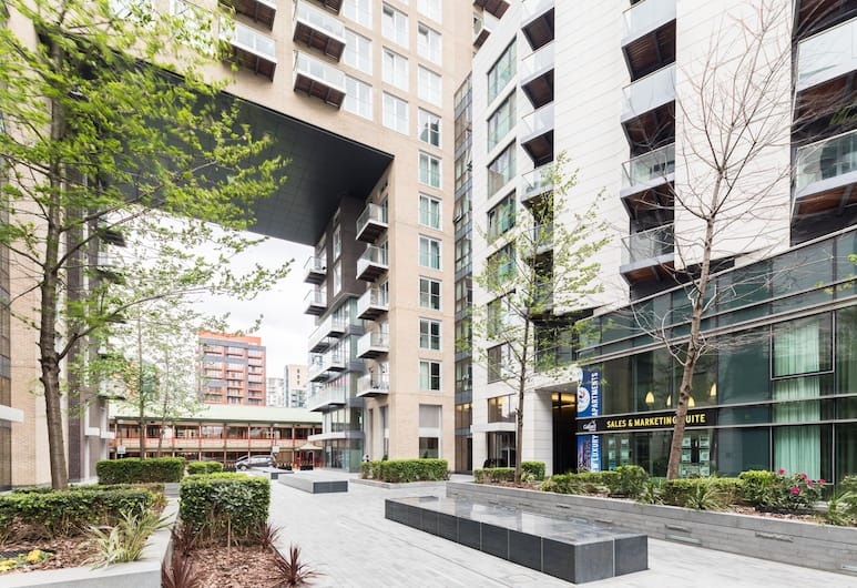 London Prime Apartments - Canary Wharf, London, Superior Apartment, 1 Bedroom, Balcony View
