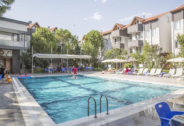 萊斯溫泉飯店, 棉堡, 游泳池