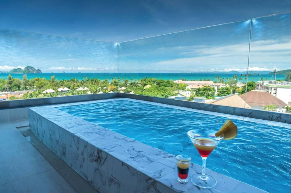 Deluxe Seaview with Outdoor Bathtub - Guest Room